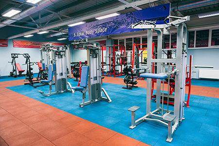 Резиновая плитка для фитнес зала